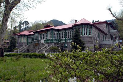山地别墅的建筑风格,但风格各异,在一定程度上反映了各国的房屋建筑