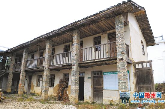 宁都县人民医院于2014年投入使用