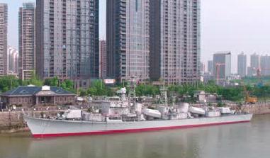 南昌艦停靠贛江邊 預計8月1日可登艦參觀