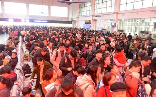 九江站迎來節後返程客流