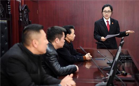 """江西南昌:""""模擬法庭""""助普法"""