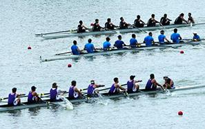 世界名校赛艇队齐聚青山湖