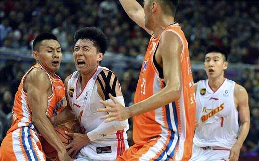 籃球——CBA常規賽:八一南昌不敵上海嗶哩嗶哩