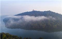 航拍仙女湖:雲霧繚繞宛如仙境