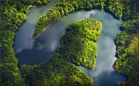 航拍江西廣昌:山青水更綠 湖光明如鏡