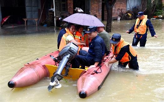 江西南豐:開展緊急救援 轉移被困群眾