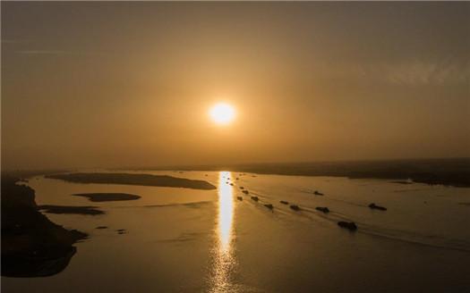 江西湖口:水路航運忙