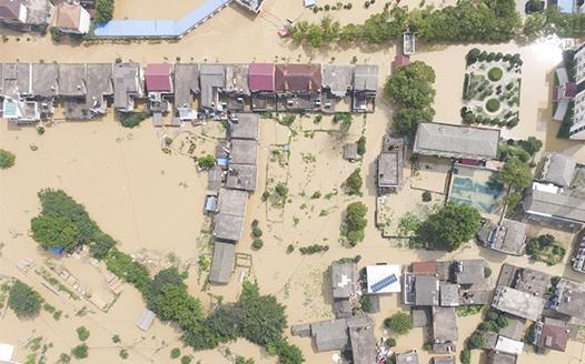 江西永修:緊急轉移受災群眾