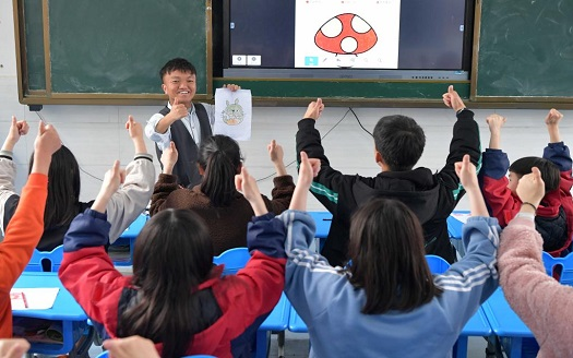 1米老師唐友良:為無聲世界的孩子帶來亮色